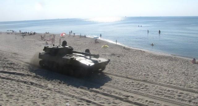 Rus ordusu hovercraft ile plaja daldi rusya ordusu plaja cikti 8