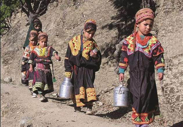 Hunza Türkleri'nin et ve baharatlı yemekleri çok ünlü ve Sadece kendi ürettikleri sebze ve meyveleri tüketiyorlar.