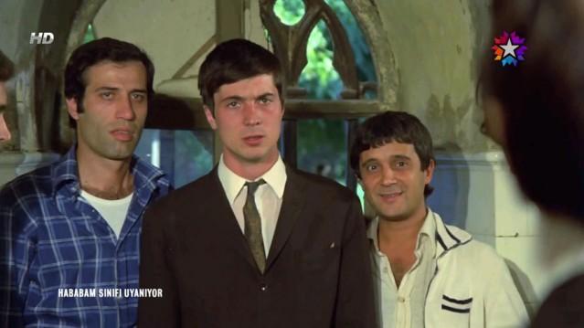 Türk sinemasının unutulmayan filmlerinden Hababam Sınıfı'nın sevilen ismi dün akşam yayınlanan Beyaz Show'a katıldı...