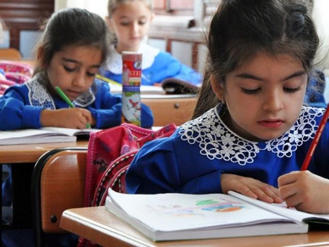 Milli Eğitim Bakanlığı, sömestr tatilini 15 günden 30 güne çıkarmaya hazırlanıyor.