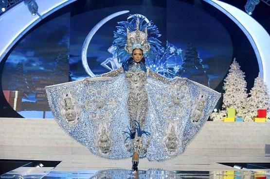 2012 Kainat Güzelleri ve Ulusal Kostümleri