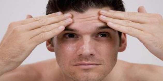 Alın ve kaş ortası çizgileri: Erkeklerin çok tercih ettiği fakat açıklamaktan kaçındığı bir diğer önemli estetik operasyon ise yüzde alına ve kaş ortası çizgilere uygulanan botoks.
