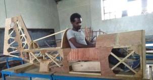 YouTube'dan faydalanarak kendi uçağını üretti