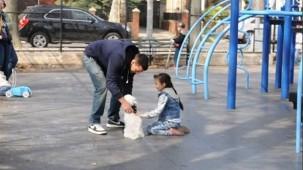 Parktaki çocukları tek tek kaçırdı