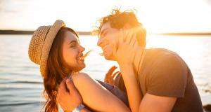 Sizin İçin Mükemmel olan Partneri Kendinize Çekmenin 5 Yolu