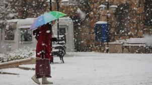 Türkiye güne kar yağışı ile başladı