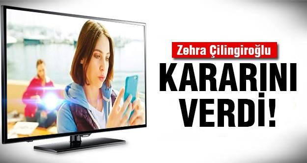 Annesi Hülya Avşar'la oynadığı reklam filmiyle gündemde olan Zehra Çilingiroğlu, önceki gün Kanyon'da objektiflere takıldı.