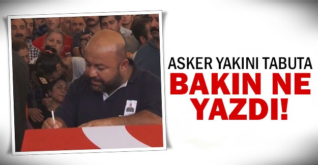 Türk bayraklı tabuta..