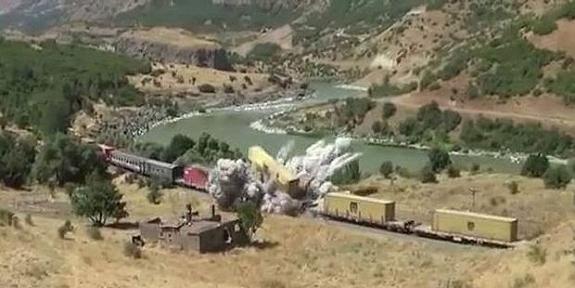 Saldırıda 5 vagon raydan çıktı!