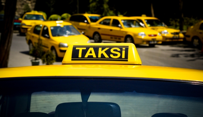 İstanbul'da taksilerde indi-bindi dönemi başladı