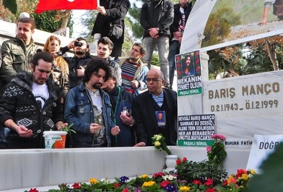 Barış Manço mezarı başında anıldı