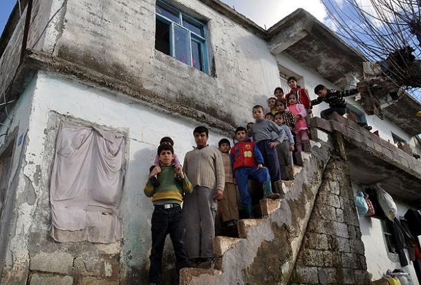 45 kişilik Suriyeli aile 3 odalı evde