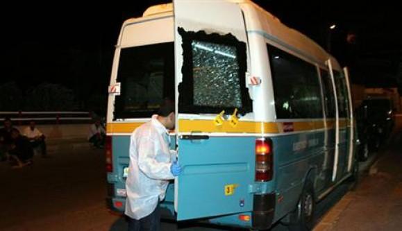 4 yolcu bulunan minibüse silahlı saldırı!