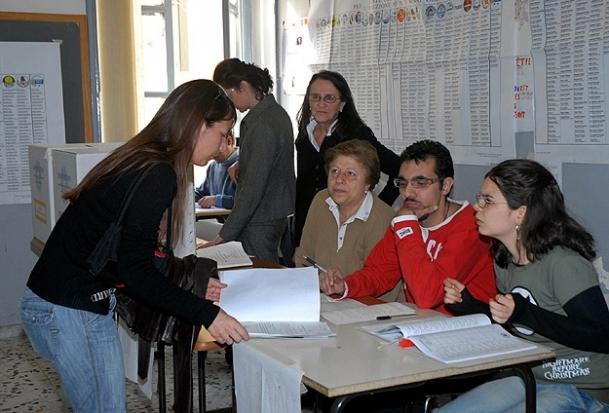 50 milyon İtalyan oy kullanacak