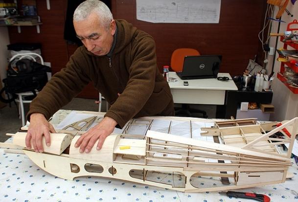 5 liraya model uçak