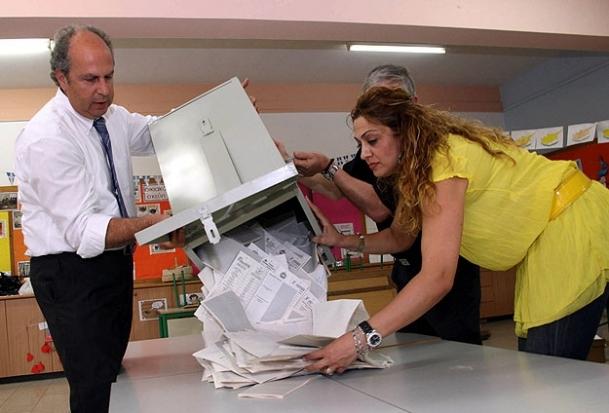 Güney Kıbrıs'ta Adaylara yeterli oy çıkmadı