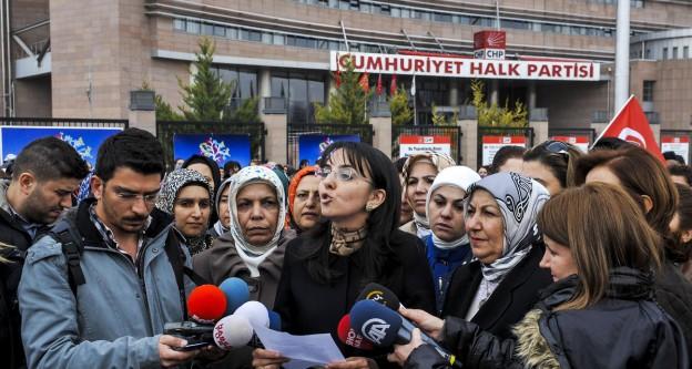 AK Parti Ankara Kadın Kolları üyelerinden eylem