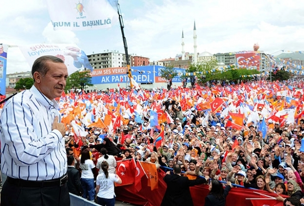 AKParti 10Mart'ta sahaya iniyor