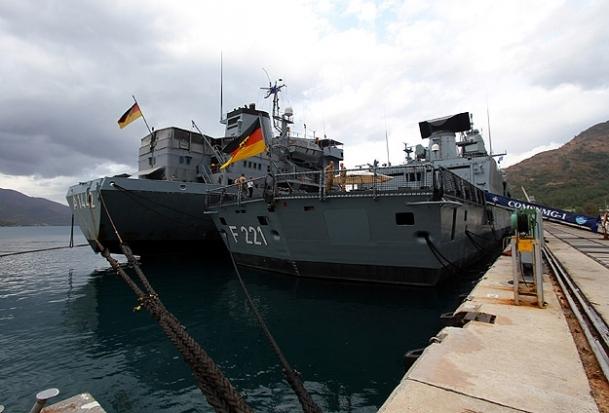 Alman savaş gemileri Marmaris'te