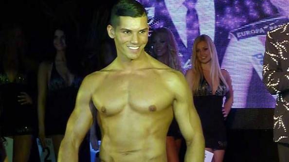Almanya'nın en yakışıklı erkeği bir Türk!