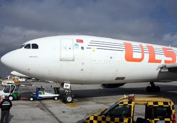 Altın yüklü uçak Dubai'ye gitti
