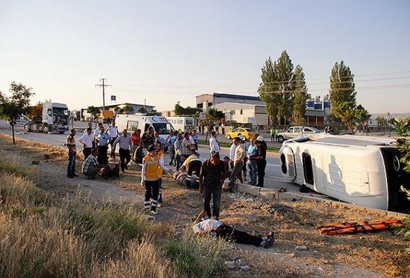 Ankara'da trafik kazası: 17 yaralı