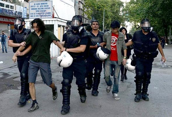 Ankara'daki gösterilerde 105 gözaltı