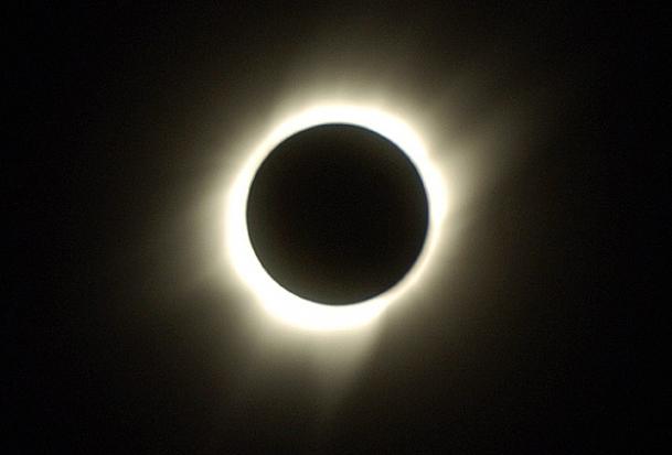 Avustralya'da güneş tutulması nöbeti