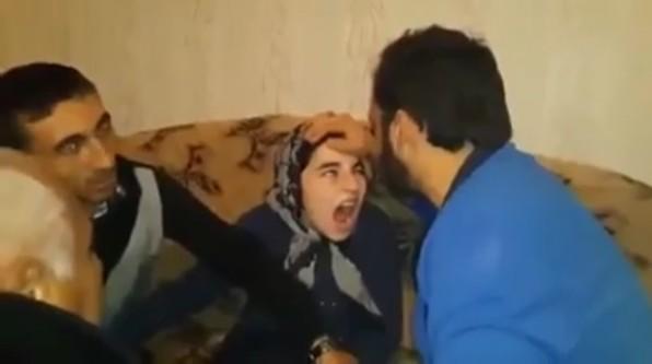 Azerbaycan'da genç kızdan cin çıkarma seansı