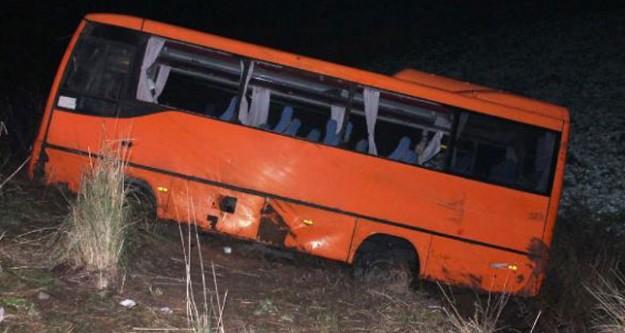 Balıkesir'de midibüs kazası: 20 yaralı