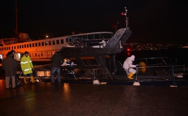 Beşiktaş'ta tekne yangını: 2 ölü