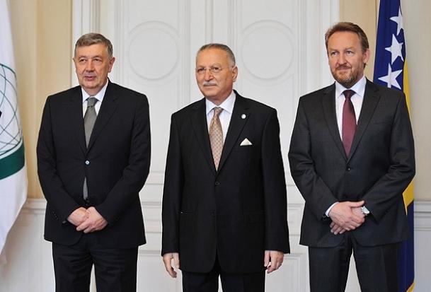 Bosna-Hersek İİT'nin tam üyesi olmalı