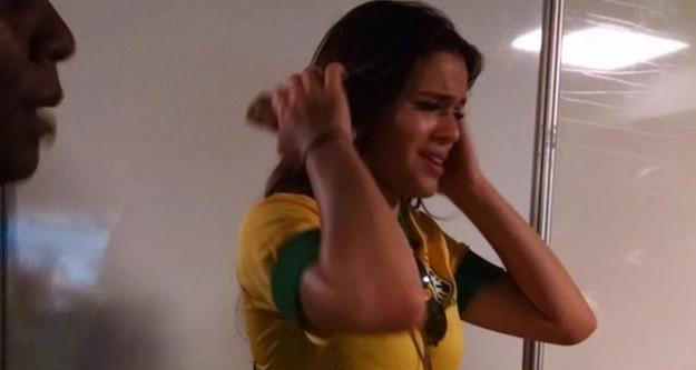 Bruna Marquezine gözyaşlarına hakim olamadı