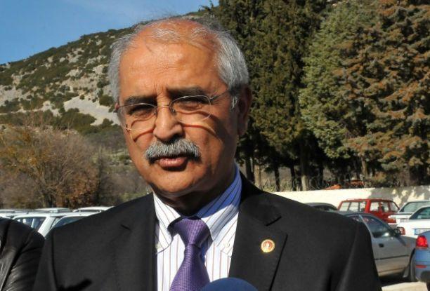 CHP Muğla Milletvekili Nurettin Demir trafik kazası geçirdi