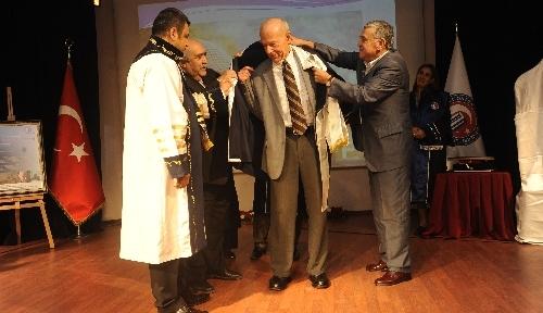 ÇOMÜ Prof. Dr. Dankoff'a fahri doktora unvanı verdi