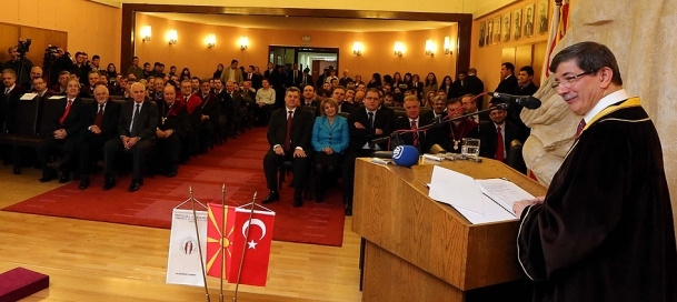 Davutoğlu'na fahri doktora