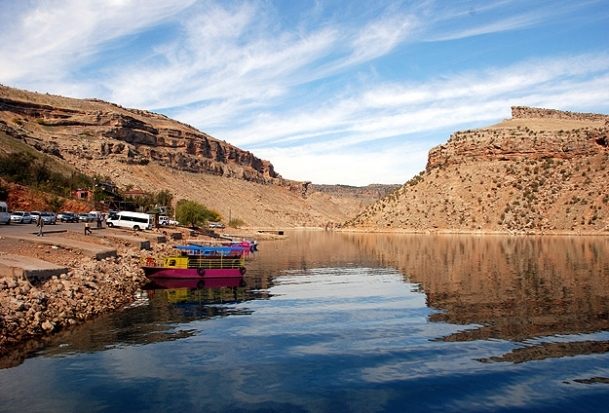 Dicle Nehri'nde turistik tekne battı