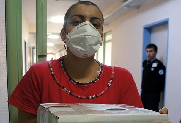 Dilek Özçelik'in ilacı hastaneye getirildi
