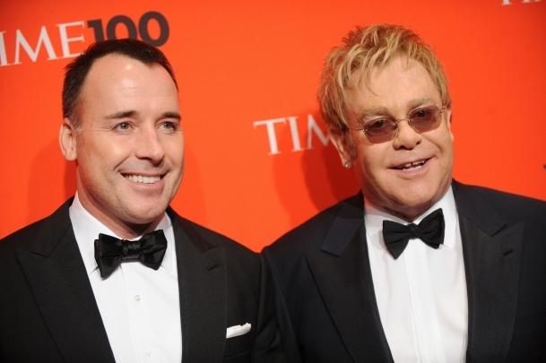 Elton John 2.kez baba oldu