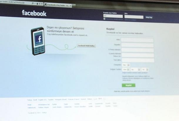 Facebook şifresini unutana arkadaş yardımı
