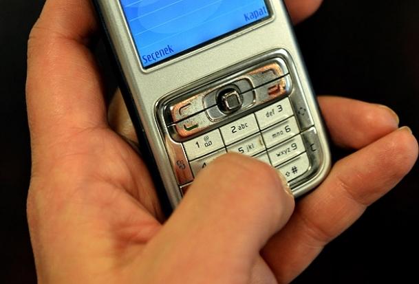 Fazla mesajlaşma el sağlığına zararlı