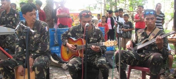Filipinler'de silah bırakma tartışılıyor