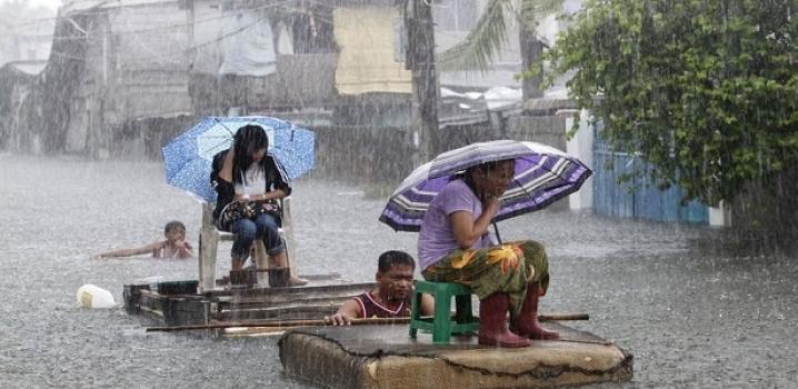 Filipinler'de Tayfun Sonucu 30 Balıkçı Kayıp
