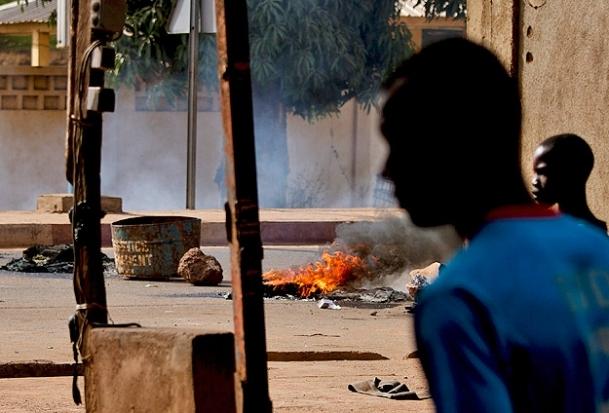 Fransa Mali'de karakol bombaladı