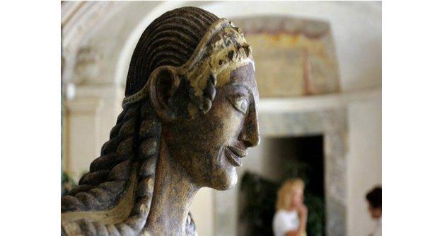 Fransa'daki kazılarda insanoğlunun ilk takma dişi bulundu