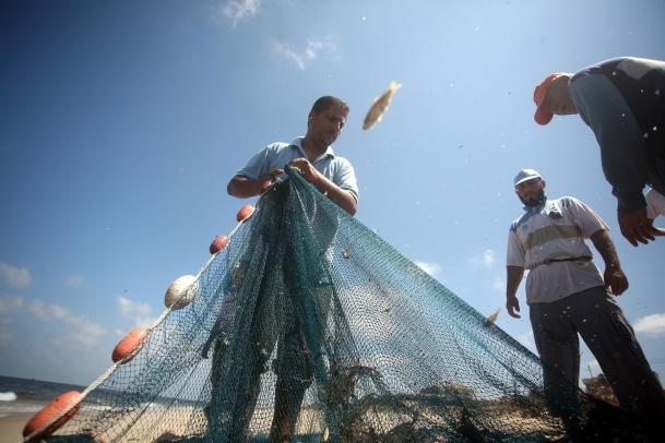 Gazzeli balıkçılar işsiz kaldı