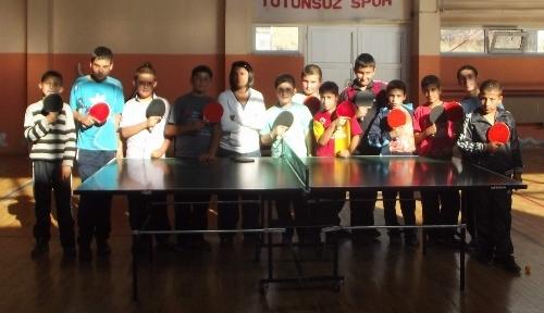Gençlik Hizmetleri ve Spor İl Müdürlüğü'nden masa tenisi kursu