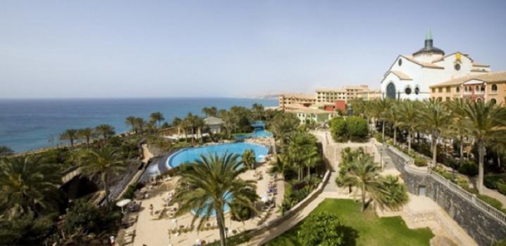 Güney Kıbrıs'ta Otel Çalışanları Süresiz Grev Başlattı