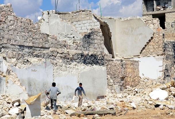 Halep'te yaşamla ölüm iç içe