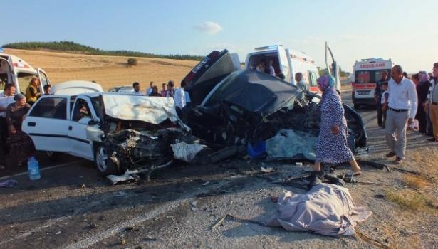 İkiz bebekler trafik kazasında öldü